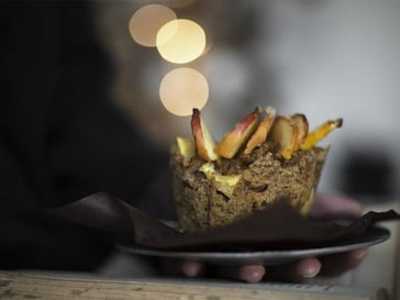 Rye muffins with apples and raisins