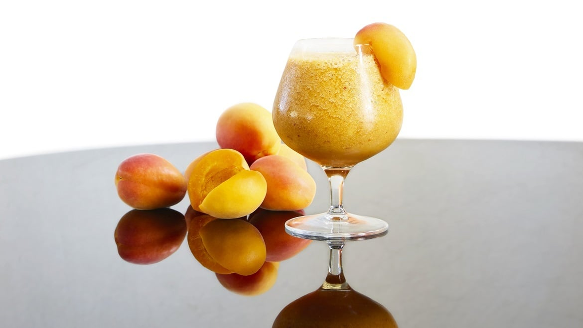 Between Apricots Smoothie