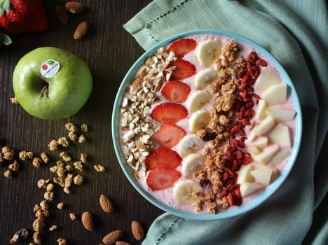 Smoothie bowls with fruit: the summer trend 2018