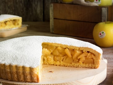Apple pie<br>with Golden Delicious apples